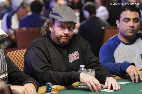 Poker Night In America - Gavin Smith, o Homem de Coração Grande..que Atira Cadeiras!