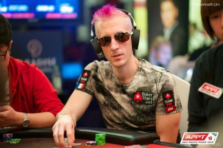 Photos Poker : Les joueurs ne se déguisent pas seulement pour Halloween