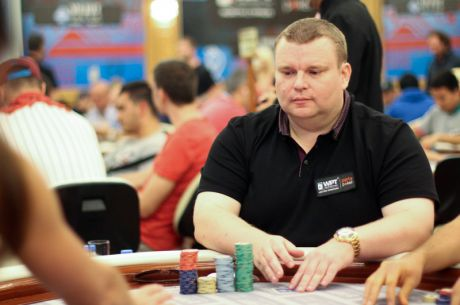 Simon Higgins Claims Overall 2014 WPT500 UK Chip Lead After Day 1b