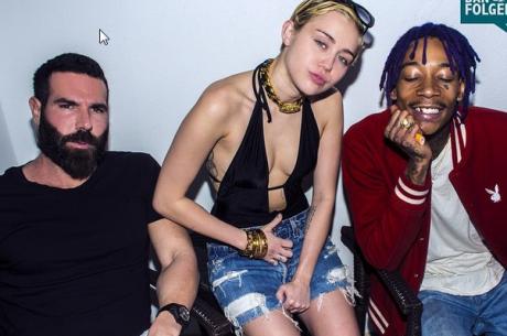 Dan Bilzerian ezúttal Miley Cyrus-al és Wiz Khalifával partizott