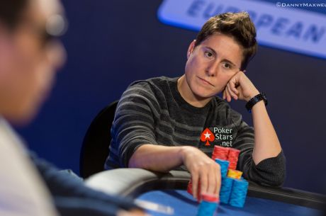 PokerStars EPT Praga Main Event Día 3: Explota la burbuja; Selbst en el Top 10, Follet sigue