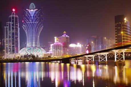 Receitas dos Casinos Macaenses Caem Pela Primeira Vez Desde 2001