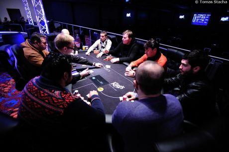 ÉLŐ VIDEO: Kövesd a 2015-ös PokerNews Cup döntő asztalát!