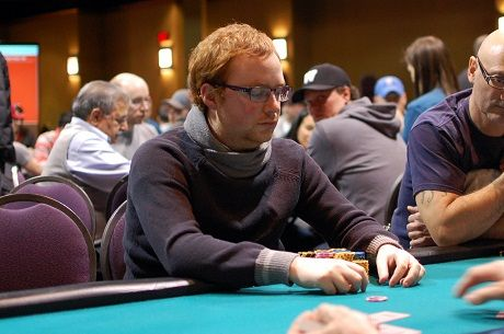 Niall Farrell Has Huge Lead After Day 1a of Winter Super Stack