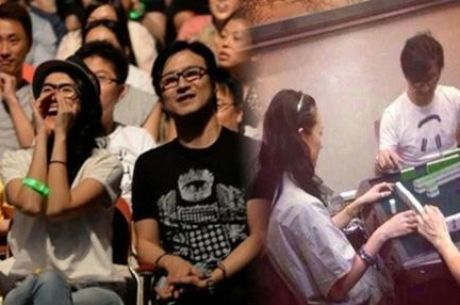 장쯔이 공식 애인 왕펑 가수에서 포커 선수로 변신