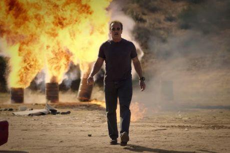 Arnold Schwarzenegger most minden sz*rt felrobbant, és akár pókerezik is Veled