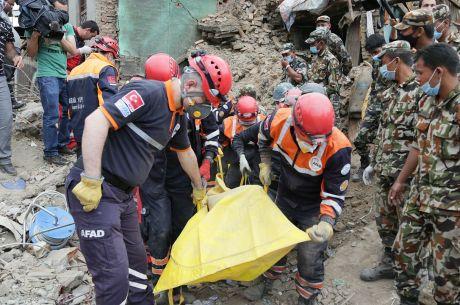 BlogNewsWeekly: Felix Schneiders WSOP Journey, Nepal Relief, Sunday Majors strategy
