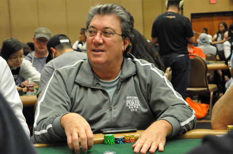 Fernando Brito Vai ao Dia 2 do Evento #22: $1,000 No-Limit Hold'em
