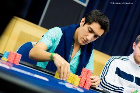 Iván Lucá cerca de la mesa final del Evento #30 de la WSOP