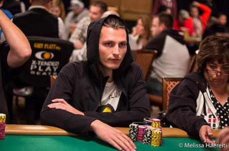 Юлиян Колев продължава в Ден 2 на Event #37: $10,000 NLH 6-Handed...
