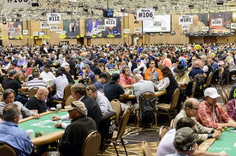 Miguel Silva Avança (38/260) ao Dia 2 do Evento #45: $1,500 No-Limit Hold'em