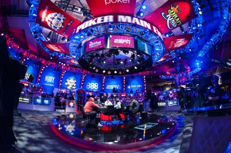 2015 WSOP November Nine Set with Neuville, McKeehen, and Steinberg; Negreanu 11th