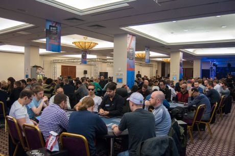 Thinking Poker: Pros Behaving Badly
