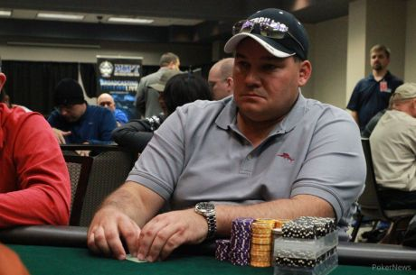 2015 Mid-States Poker Tour Tropicana Den 1b: Kenny Smith ve vedení