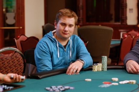 Robert McLure Bags the Chip Lead in PlayNow Poker Championship Main Event Day 1