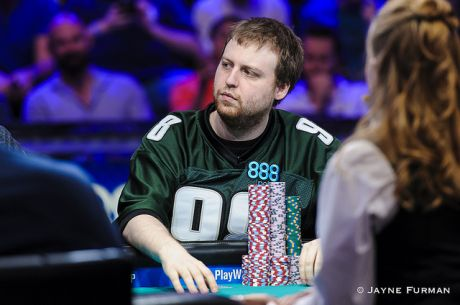 Joe McKeehen Domina Dia 1 da Final Table do Main Event WSOP 2015 (6 em Jogo)