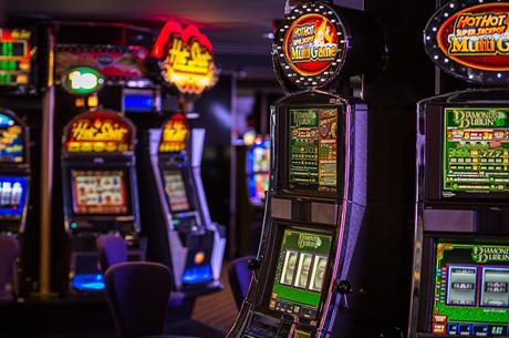 Receitas dos Casinos Subiram 10.5% no 4º Trimestre de 2015 (€73.9 Milhões)