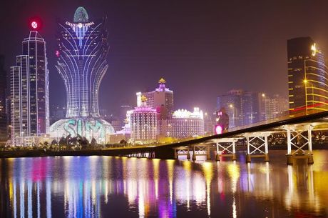 Melco Crown to Diversify After Macau Casinos Decline for 25th Straight Month