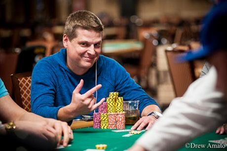 Į 10,000 dolerių WSOP pagrindinį turnyrą įsipirkta 6,737 kartus (pirmieji rezultatai)