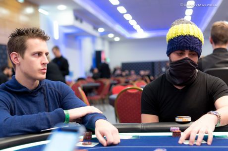 10 Hold'em Tips: 5 Common Poker Tells to Look For