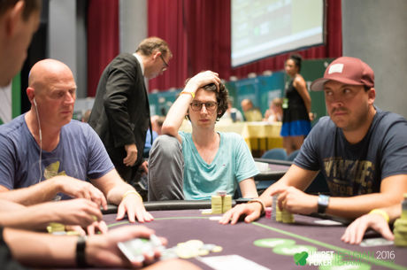 Опасността на избирателното внимание – защо си повтаряме покер грешките