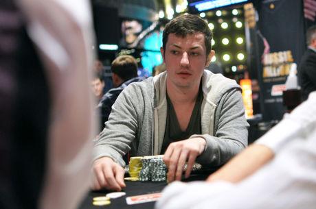 Ο Tom Dwan ζει! Παίζει πόκερ στο King Club και βγαίνει selfie...