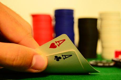 So spielt man Pocket Asse auf einem schwierigen Board