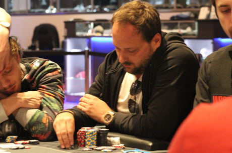 Lambros Vrakas Leads After WSOPC Main Event Day 1a