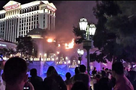 Las Vegas : Le Bellagio en flammes, le Strip fermé...