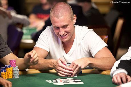 """""""Poker After Dark"""": užfiksuotas beveik 1,000,000 dolerių vertės bankas"""