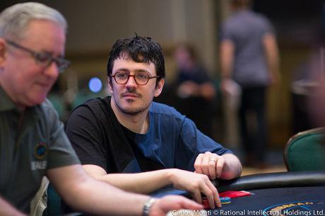 Isaac Haxton na Frente do Dia 1 do Super High Roller Bowl China