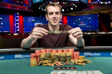 Philip Long Recebe Bracelete no Evento #22: $1,500 Eight Game Mix