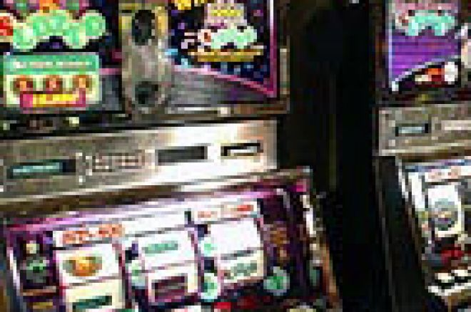 Police confiscate poker machines 0001