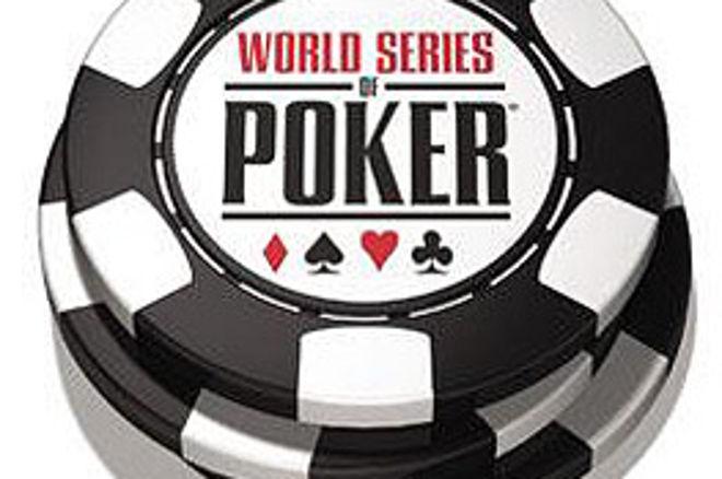 Enfin... du poker. Les cartes sont données aux WSOP 0001