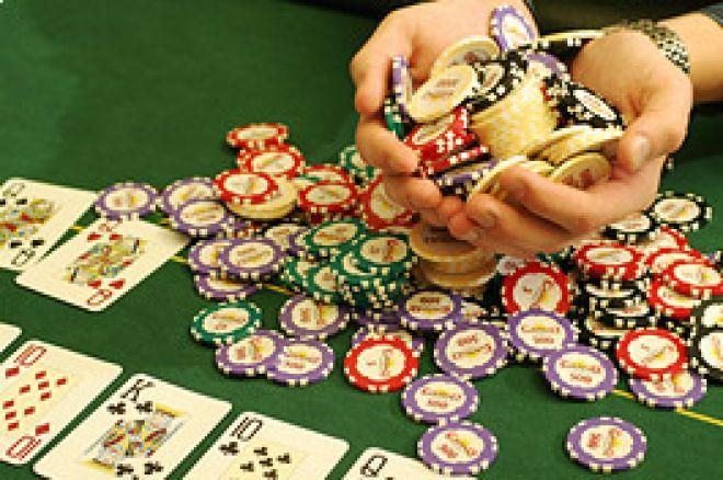 """Aumentar a Multidão nas Mesas de Poker com a """"Miss Cara de Poker"""" 0001"""