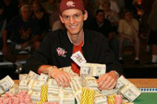 Poker Spieler mit Geld