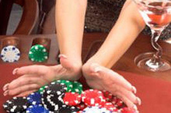 Dame mit Poker Chips