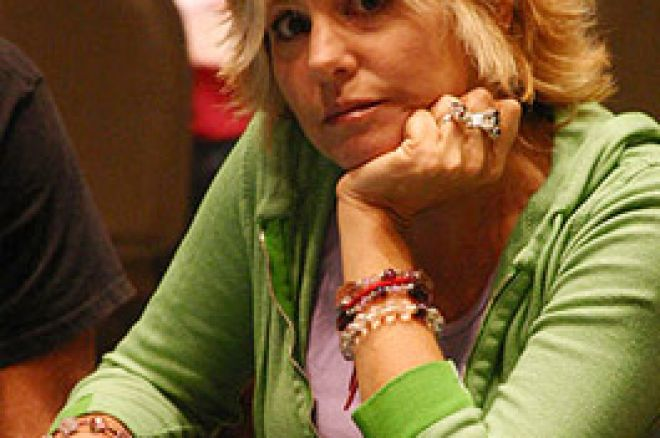 PokerProfilen: Cyndy Violette - Draget mod spillet 0001