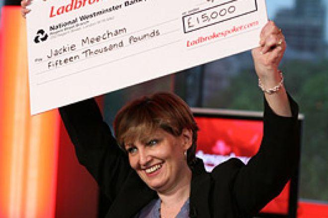 Pool Ace Jackie Pots the Ladbrokes Ladies Championship 0001