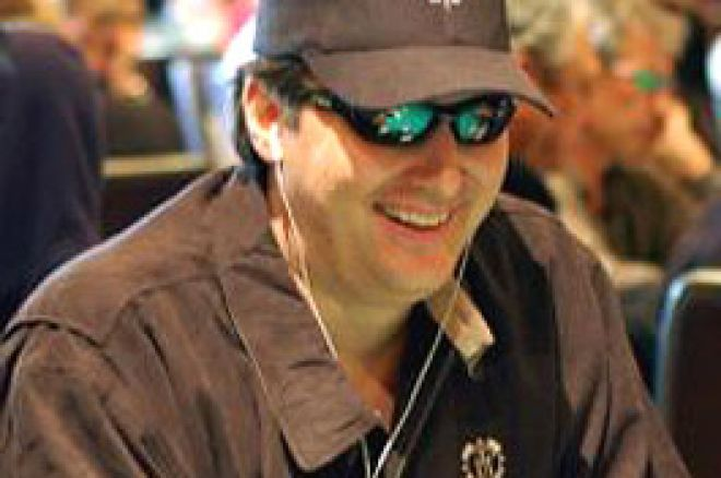 Phil Hellmuth détient le record des places payées WSOP 0001