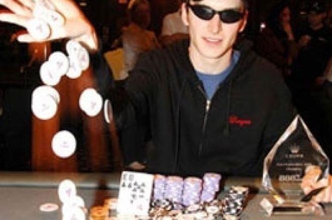 Luke 'Resteal' Abolins voittaa 888.com järjestämän PokerProForAYear -kilpailun 0001