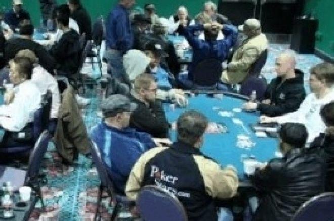 WSOP-C Tunica, Ден 2: Devia Води на Финала, Schneider Четвърти 0001