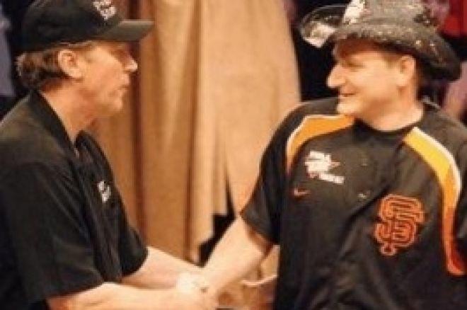 2008 NBC National Heads-Up Poker Championship: Ferguson a Bloch jdou do finále 0001