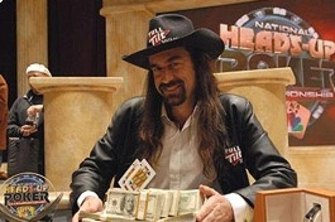 Chris 'Jesus' Ferguson vybojoval vítězství na NBC National Heads-Up Poker Championship... 0001
