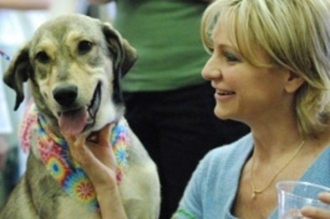 Cerimonia con taglio del nastro per il Nevada SPCA di Jennifer Harman 0001