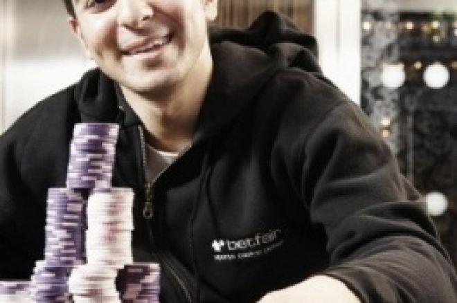 Джон Табатабаи подписывает контракт с Betfair Poker 0001