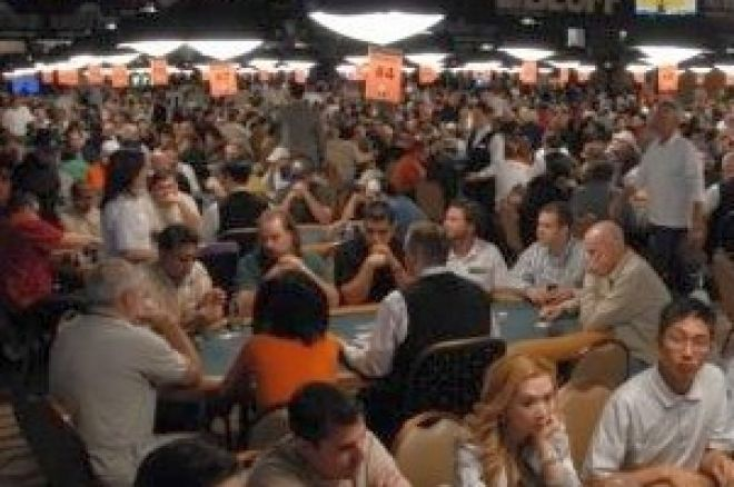 2008 WSOP Event #10 $2,500 Omaha/Seven Card Stud Hi/Low Day 2: Rouhani Leads 0001