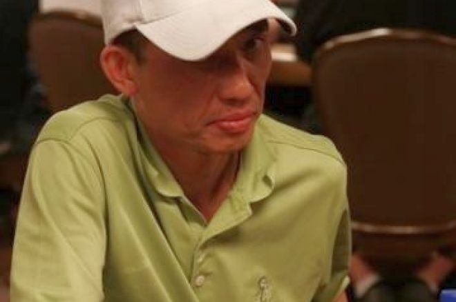 2008 WSOP Event #12 $1,500 Limit Hold'em Day 2 – Vinny Vinh Takes Lead 0001