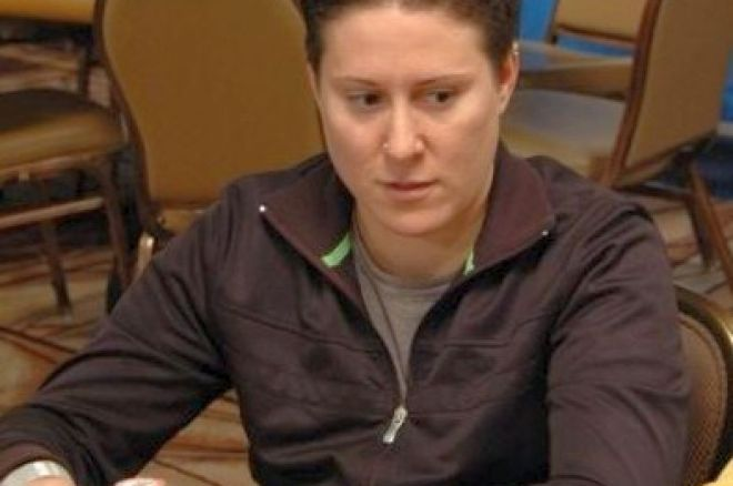 2008 WSOP Event #19 $1,500 PLO Day 2: Selbst Widens Lead into Final 0001