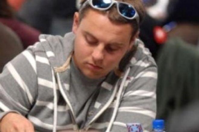 Główny Turniej WSOP 2008, $10,000 No-Limit Texas Hold'Em, Dzień 2A: Brian Schaedlich... 0001